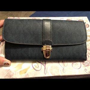 MK Michale Kors Navy Blue Blk Continental Wallet